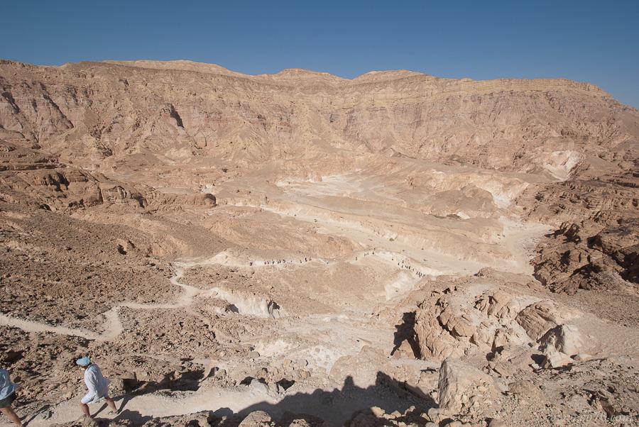Тропинка на дно Цветного каньона