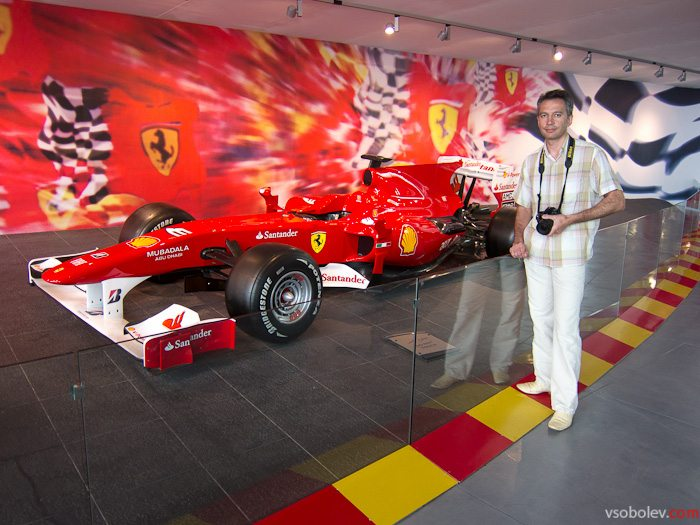 Ferrari World Абу Даби