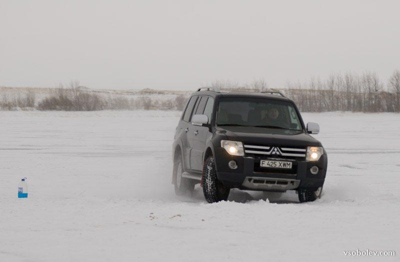 Паджеро 4 на льду
