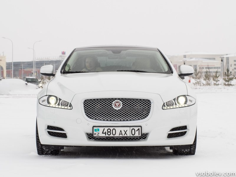 jaguar-xj-astana-2