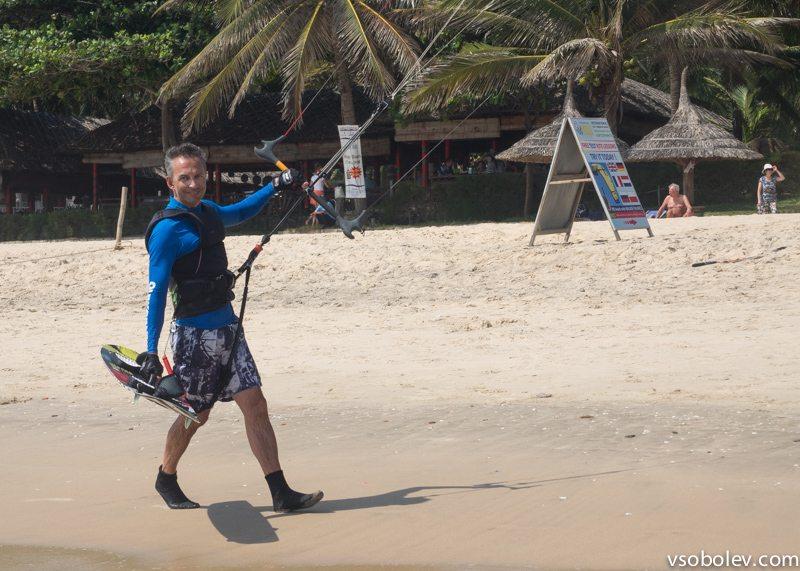Иногда и мне приходилось прогуливаться по берегу