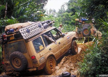 Почему Land Rover Discovery 4 - кроссовер.
