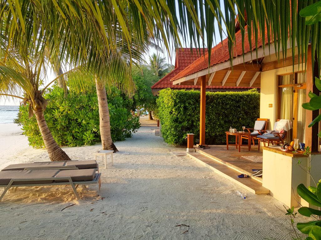 Домики на пляже Курамба Мальдивы 2021